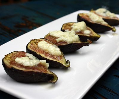 Roasted Figs with Roquefort