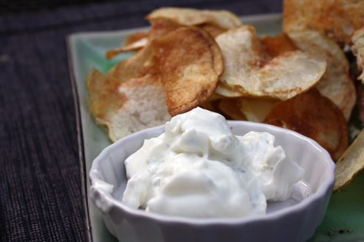chips with blue cheese dip