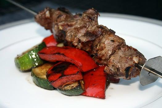 lamb kebob with veggies