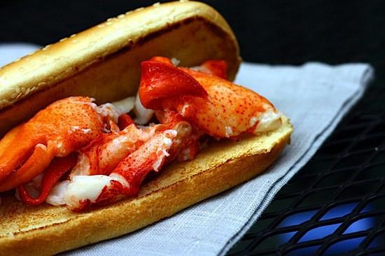 lobster-roll-3.jpg