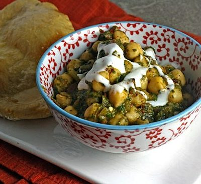 Chana Saag (Chickpeas with Spinach)