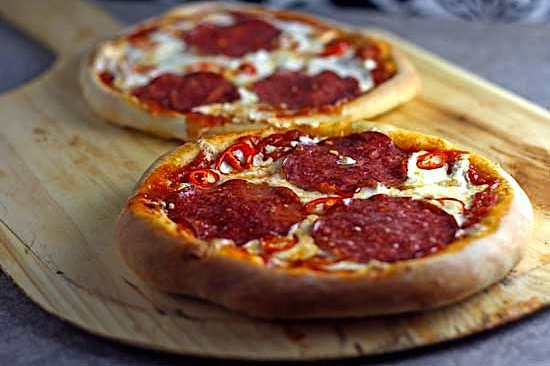 salami-pizza.jpg