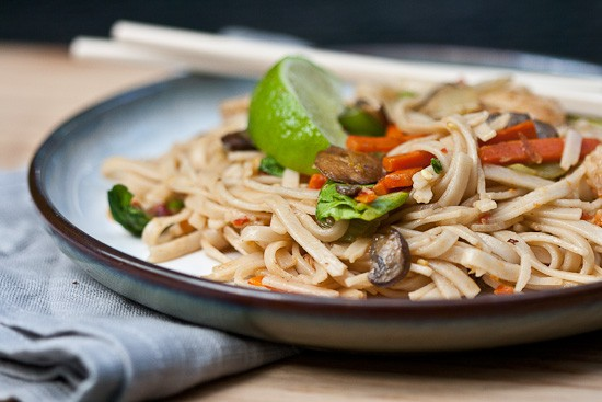 Spicy Ginger Noodles {with Shrimp} 3
