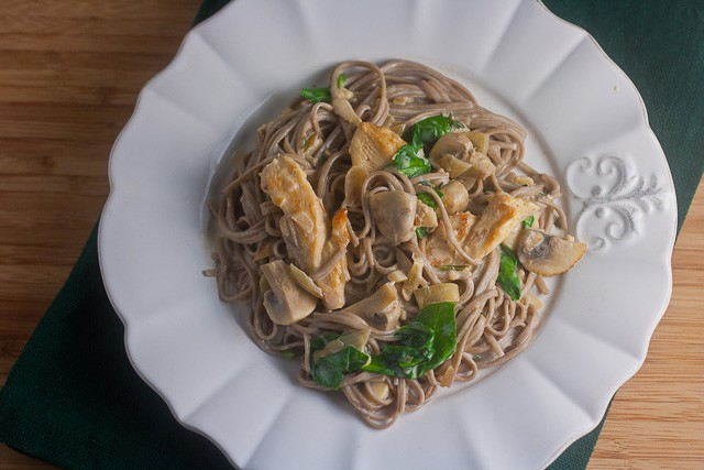 Soba Noodles with Sautéed Chicken, Mushrooms, and Spinach in Cream Sauce 3