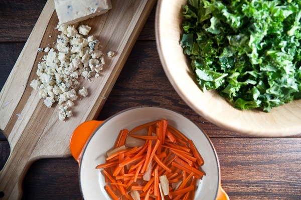 healthy-delicious_kale salad with blue cheese-4