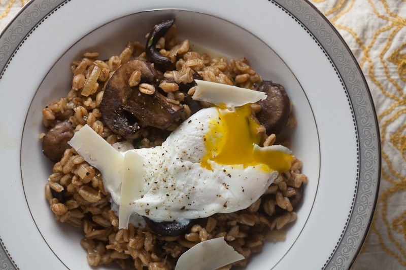 farro risotto with roast mushrooms from healthy-delicious.com