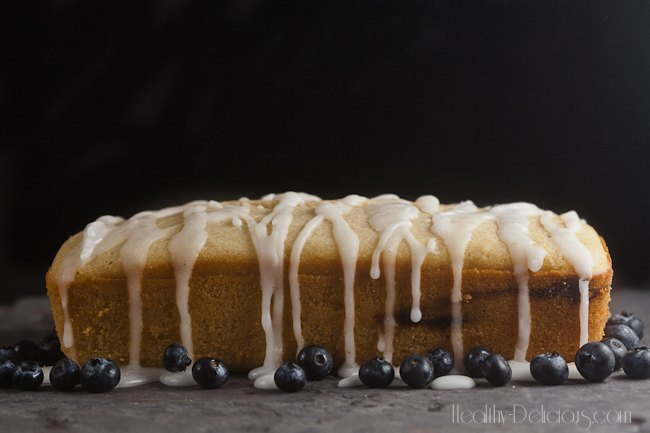 Blueberry-Lavender Coffee Cake with Lemon Glaze | healthy-delicious.com