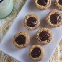Chocolate Pudding Pie Cookie Cups | Healthy-Delicious.com