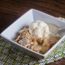 Pear and Almond Crumble | Healthy-Delicious.com