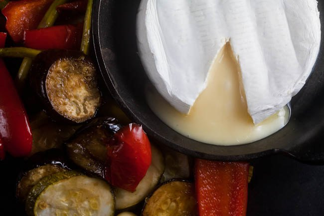 Baked-Brie-with-Roasted-Vegetables-4