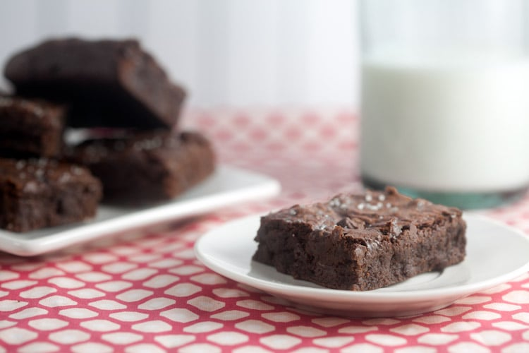 Chocolate Brownies with Vanilla Salt | @HealthyDelish