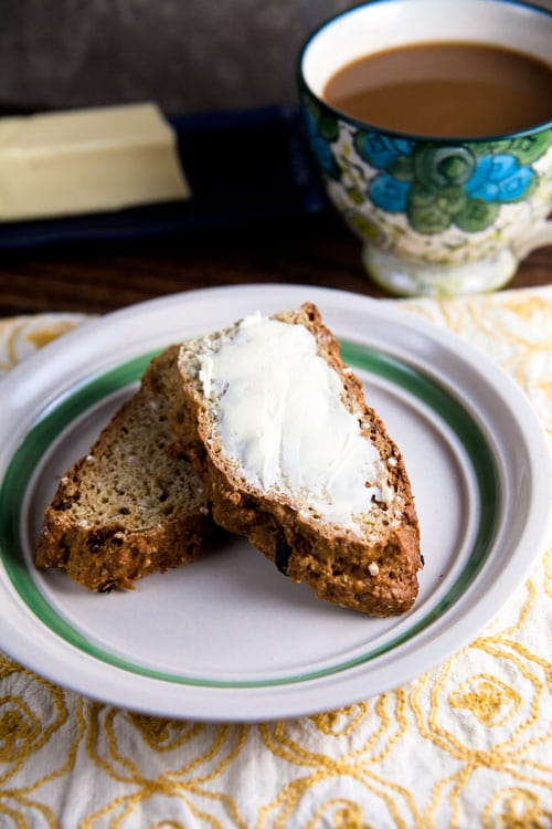 Whole Grain Irish Soda Bread // @HealthyDelish