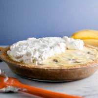 Homemade Banana Cream Pie with Vanilla Wafer Crust // @HealthyDelish