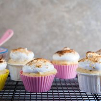 Lemon S'mores Cupcakes // @HealthyDelish