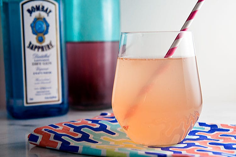 Strawberry Rhubarb Shrub Cocktail // @HealthyDelish