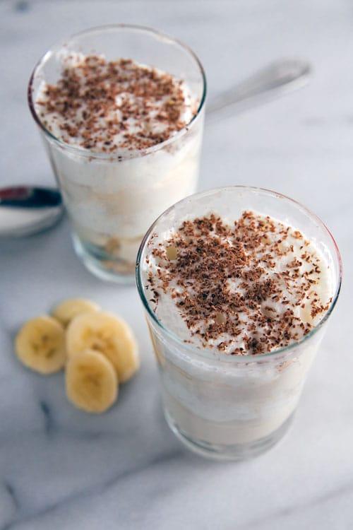 Banoffee Yogurt Parfait // @HealthyDelish