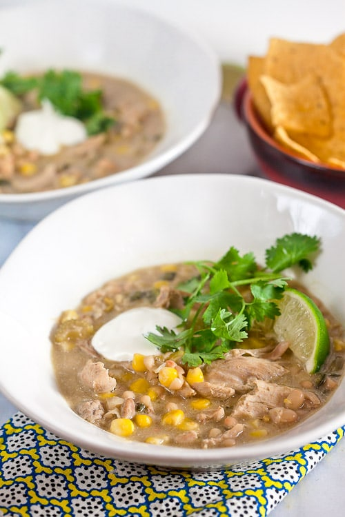 White Chicken Chili // @HealthyDelish