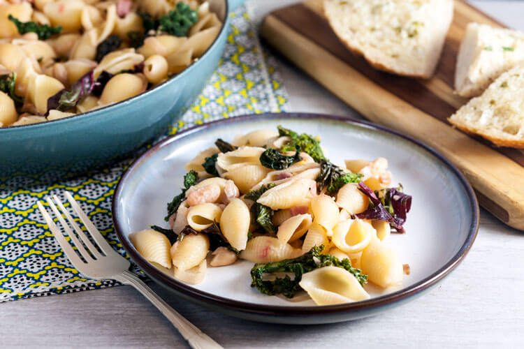 Easy White Bean and Kale Pasta Recipe (Beans and Greens Pasta)