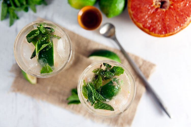 Brûléed Grapefruit Mojitos Recipe