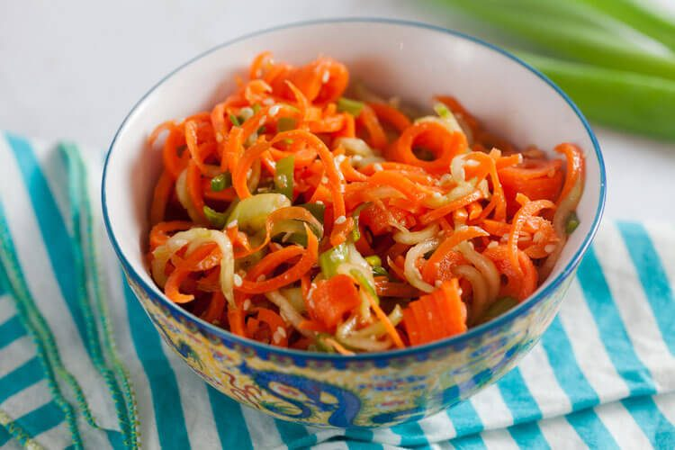 Spiralized Sesame Carrot Salad