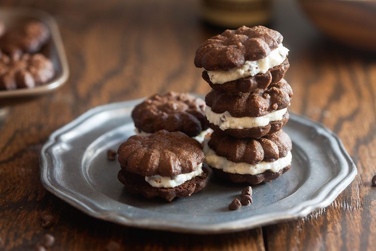 Chocolate Cannoli Sandwich Cookies