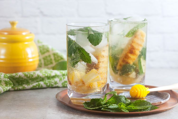 Grilled Pineapple Mojitos