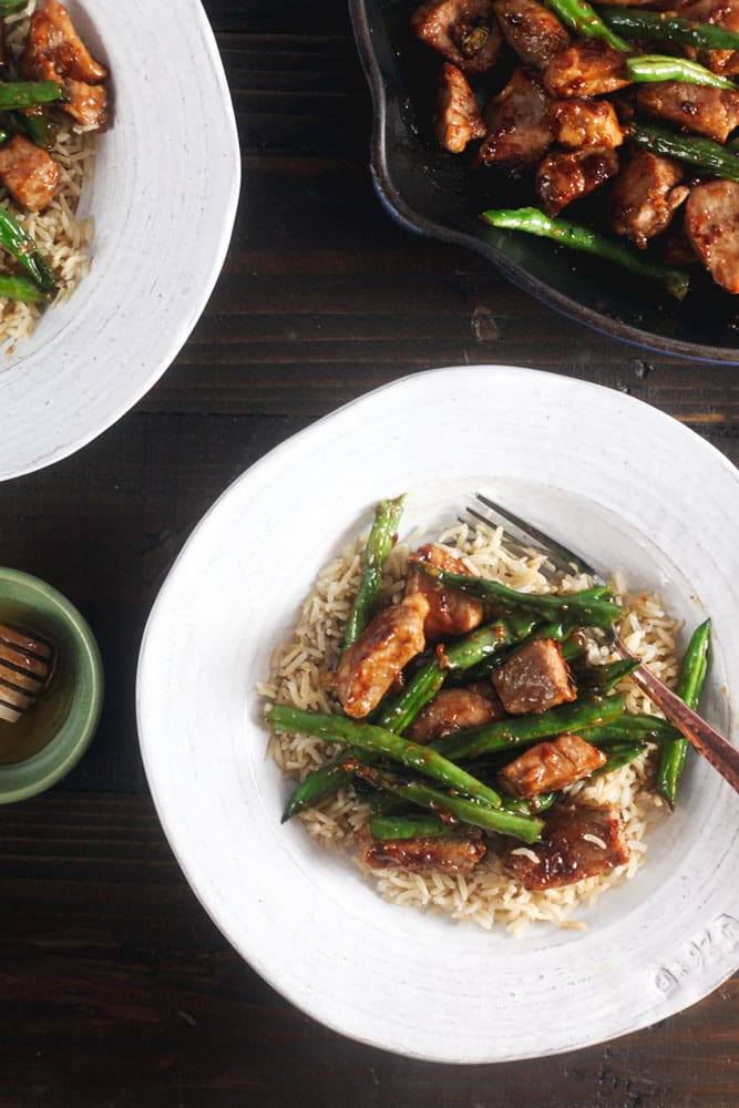 10-Minute Honey Ginger Pork Stir Fry with Green Beans - we love this ...