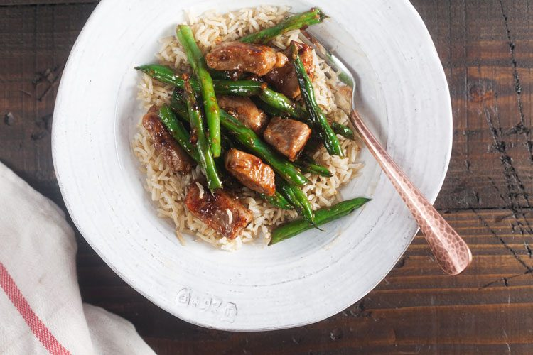 10-Minute Honey Ginger Pork Stir Fry with Green Beans - we love this easy dinner for busy weeknights!