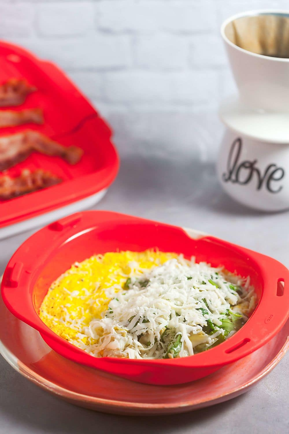 3-Minute Spinach Artichoke Omelet - OXO Microwave Omelet Maker Review
