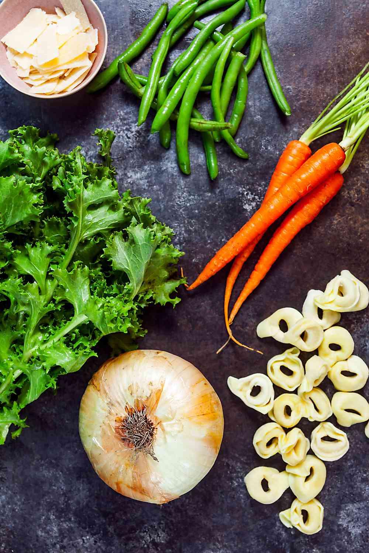 30-Minute Tortellini Vegetable Soup Ingredients