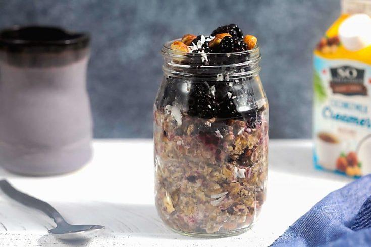 Blackberry Hazelnut Overnight Oats (5-Ingredient Recipe!) 1