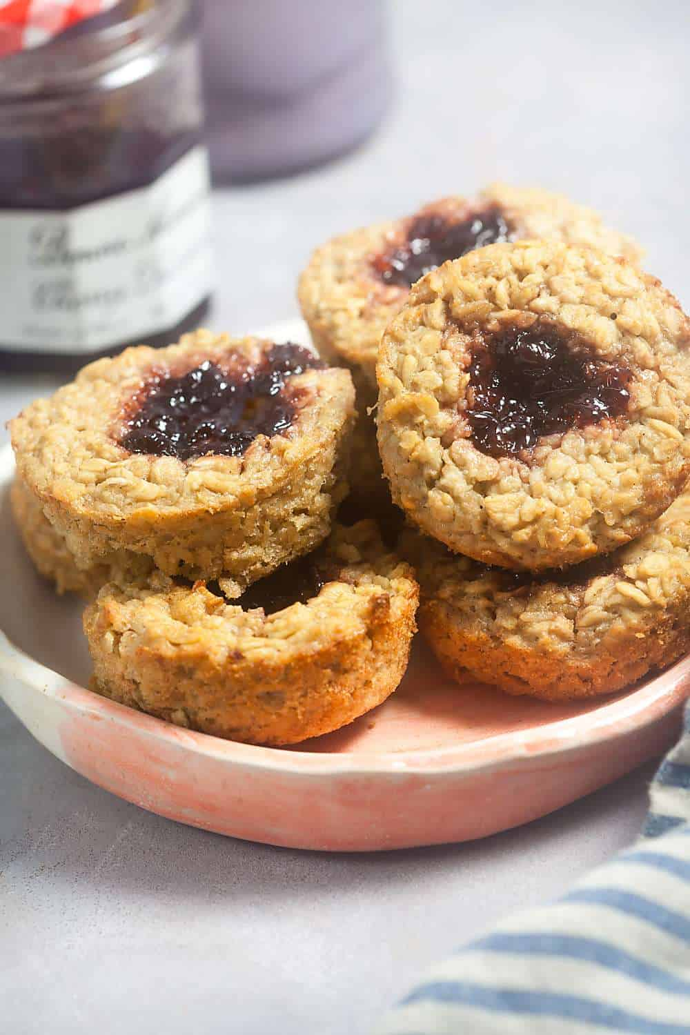 Cashre Butter and Jelly Baked Oatmeal Cups - A great make-ahead breakfast