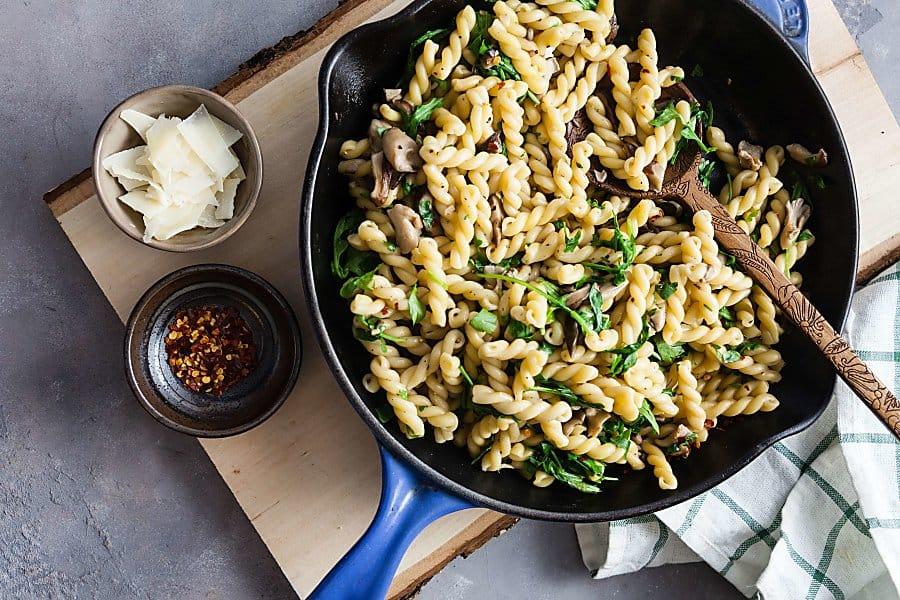 pan of pasta with mushroom