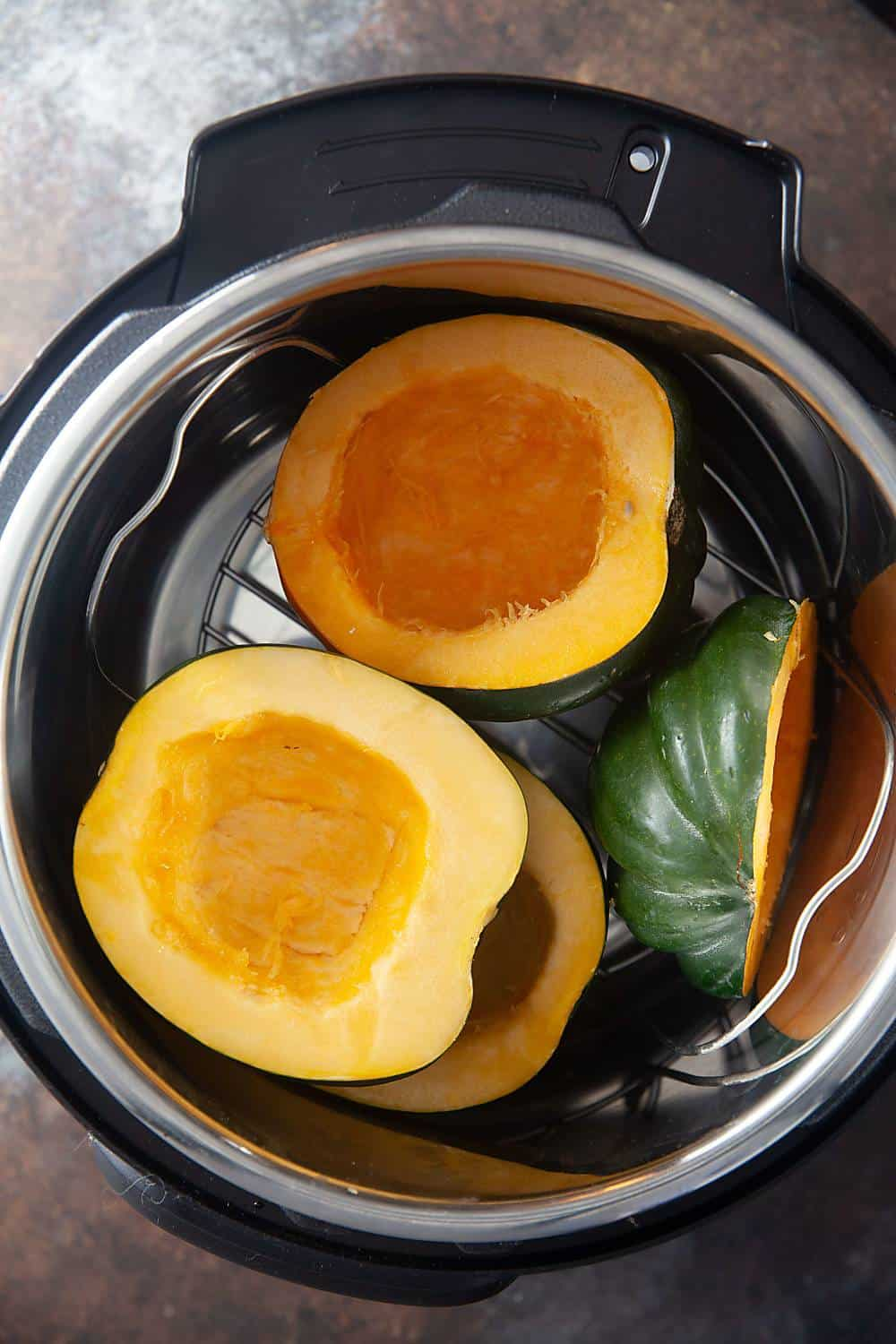 Cooking acorn squash in an Instant Pot is so fast!