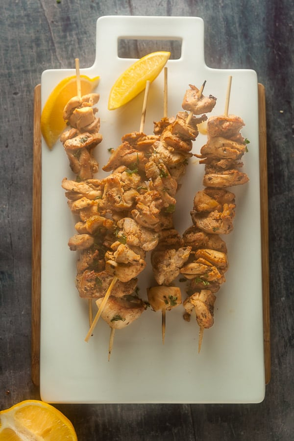 overhead view of chicken spiedie skewers