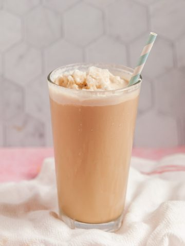 Low Carb Raspberry Frozen Coffee (Frappuccino) 1